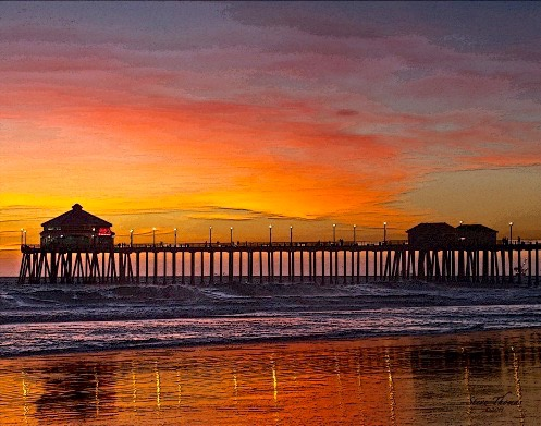 HINTINGTON BEACH DRAMATIC SUNSET (1)