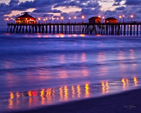 HUNTINGTON BEACH AT NIGHT